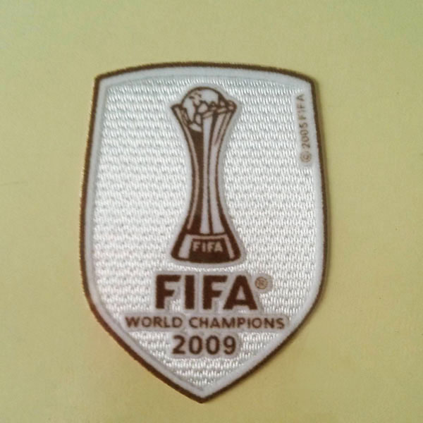 Barcelona FIFA Club World Cup 2009 Away Winner Sleeve Soccer Patch / Badge